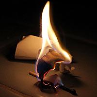 Гадание на листе бумаги – по силуэту пепла