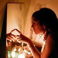 Гадаем на зеркале и свечах на суженого