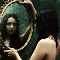 Зеркальные суеверия и реальность